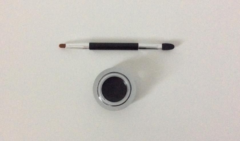 Eyeliner Kajal Haltbarkeit Tipps